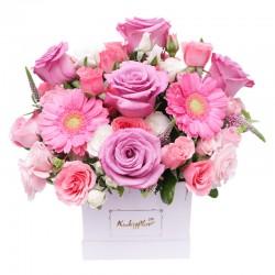 Box de rosas , mini rosas y mini gerberas