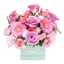 Box de Rosas , mini rosas y mini gerberas pasteles