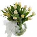 Pecera de 20 tulipanes blancos