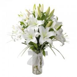 Vase of 10 white lilies