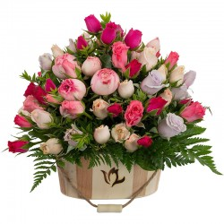 WOODEN CENTER WITH MINI ROSES